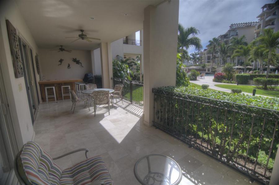 What Hotel Is Next Door To Villa Del Arco