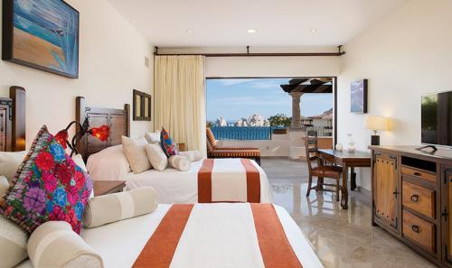 Villa-La-Estancia-Three-Bedroom-Penthouse-Bedroom-3