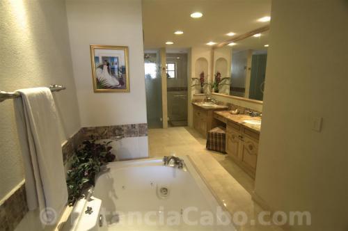 The Master Bath in Villa La Estancia #1201.