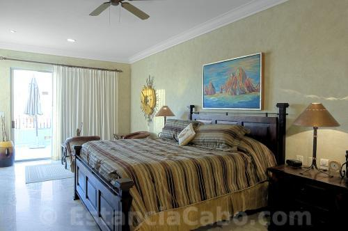 Master Suite With King Bed in Penthouse 3704
