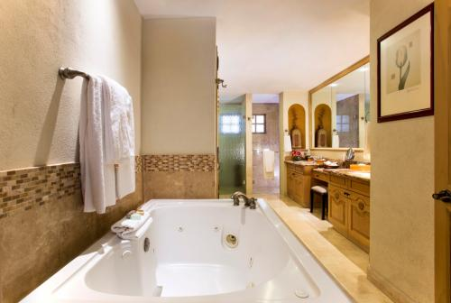master bath in 1302 with jetted tub.