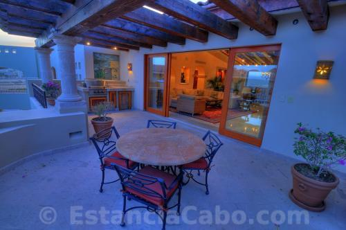Villa La Estancia Penthouse 2804 Patio Table