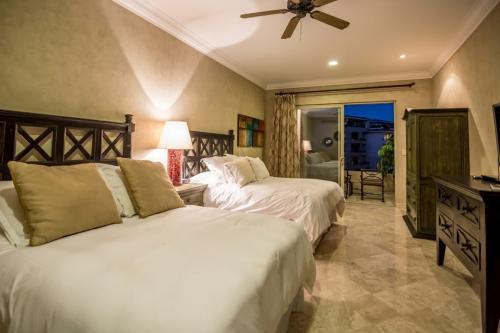 second bedroom in unit 2606