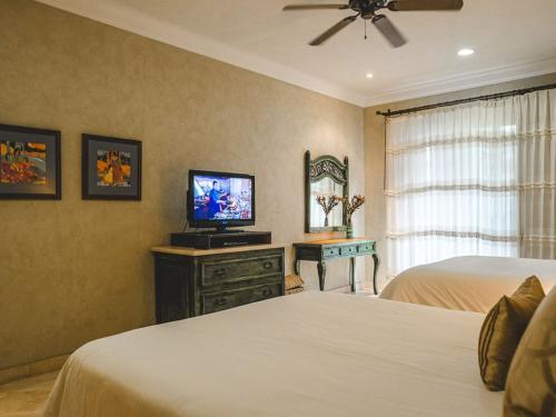 master suite in unit 1203.