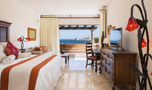 Villa-La-Estancia-Three-Bedroom-Penthouse-Master-2