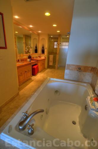 Villa 3607 Master Bathroom