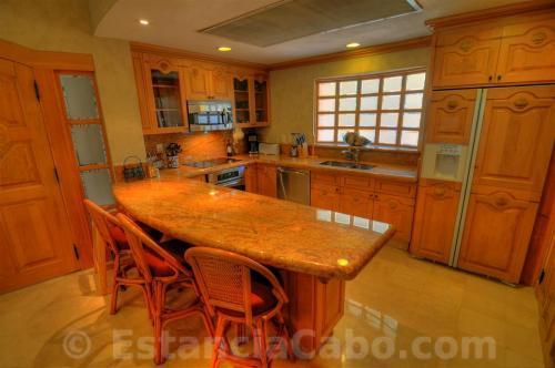 Full Size Gourmet Kitchen