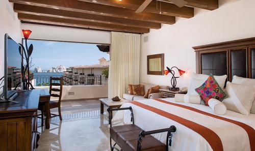 Villa-La-Estancia-Three-Bedroom-Penthouse-Master